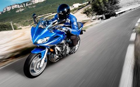 мотоцикл fz6