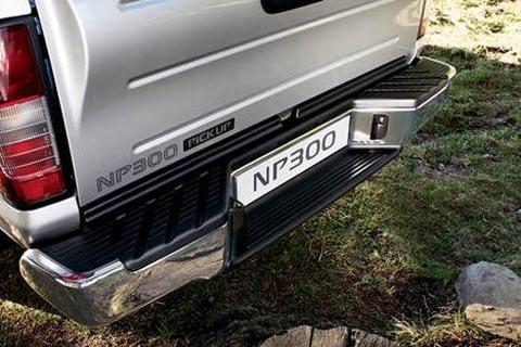Ниссан НП300