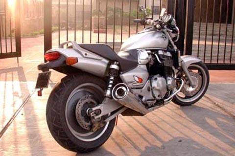 история создания мотоцикла honda x4