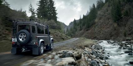 Уничтожение Land Rover Defender в США