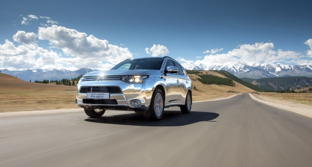 Mitsubishi представил электровнедорожник Outlander PHEV