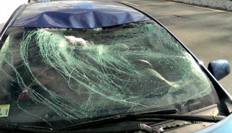 Что делать, если на ваш автомобиль упала сосулька или снег?