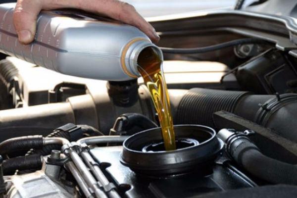Какое масло заливать в двигатель зимой: требования и сравнение марок