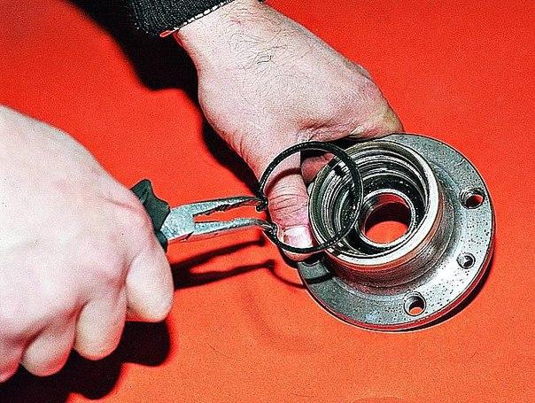 Как проверить ступичный подшипник и найти поломку