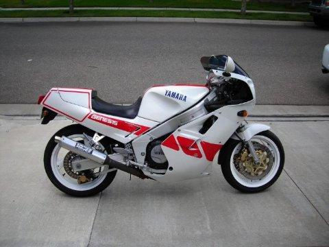 Отзывы о Ямахе ФЗР 250 (Yamaha FZR 250)
