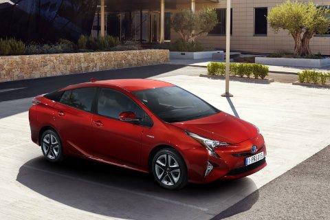 Отзывы о Toyota Prius XW50 (Тойота Приус XW50)