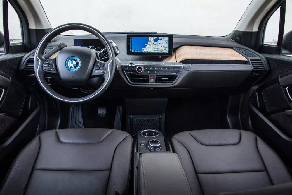 BMW i3 салон