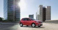 Компания Renault снизила цены на Sandero и Logan в России