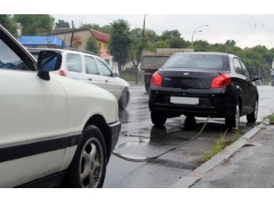 Как правильно буксировать автомобиль: особенности буксировок