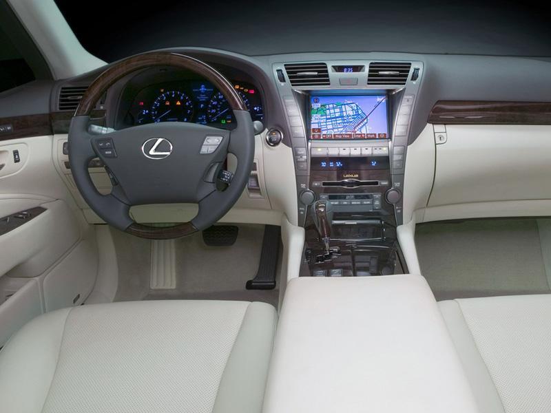 Lexus LS 460 фотографии.