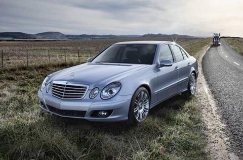 Mercedes E280 2.0 2002 г.в. Эргономика хороша - все кнопки на месте